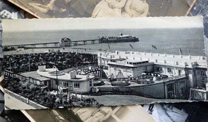 This is a card from Margate. In the foreground is The Winter Gardens, Cliftonville. Postmarked 1959, the sender says, 'There was so much to do, we didn't know what to do next - just been to see underwater diving'. Which sounds odly impossible, but maybe I'm being too literal.