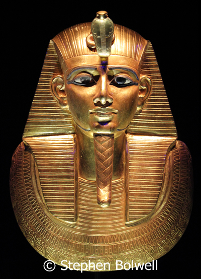 It was another 'no brainer'. We would go and see KIng Tut's extensive and exceptional burial tat.